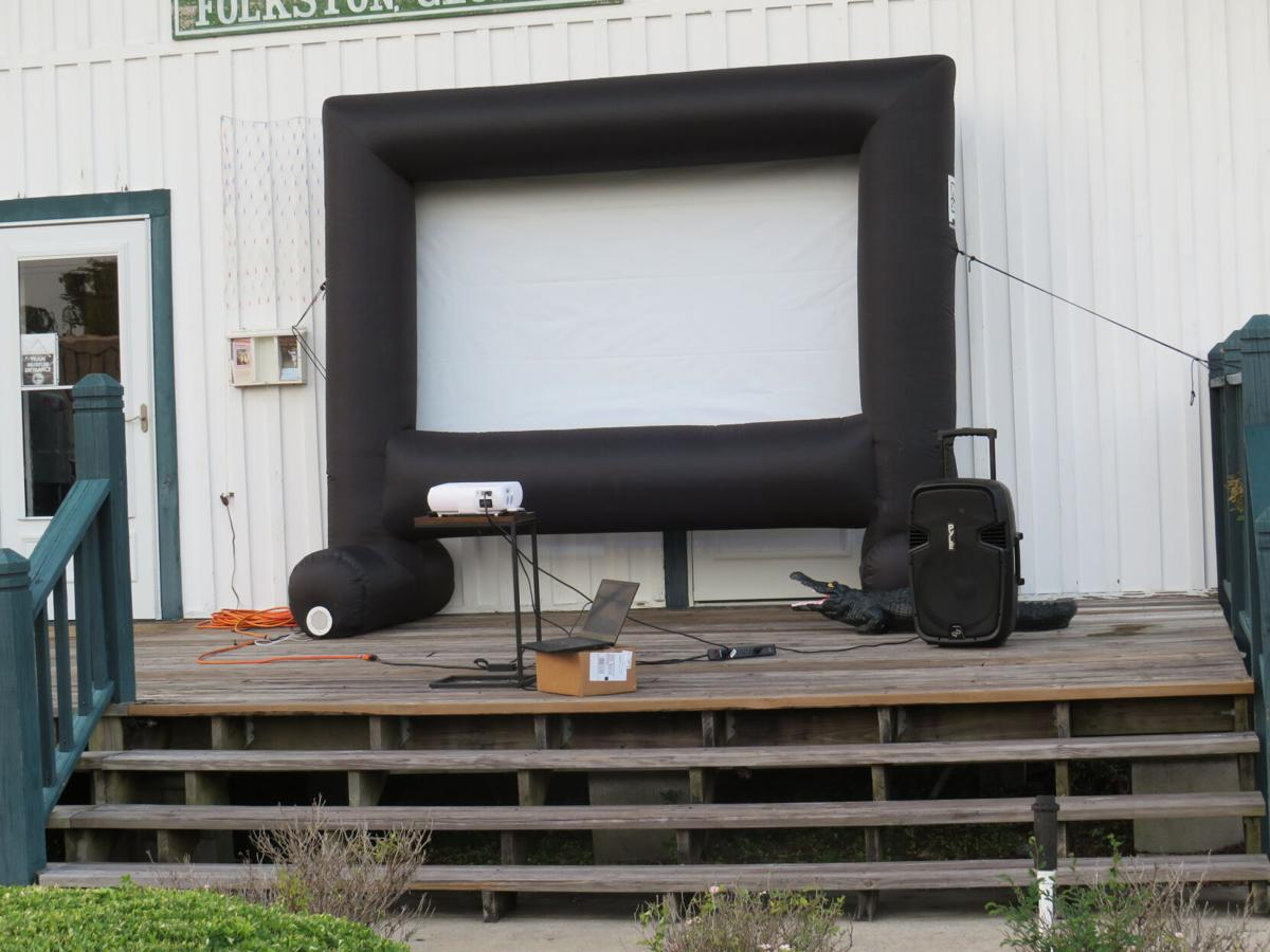 Football screen.JPG