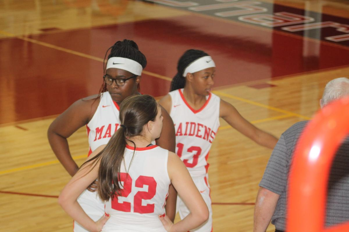 Charlton Maidens, Indians hoops split with Irwin County