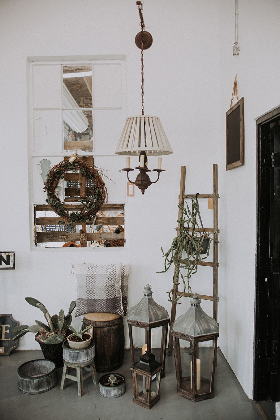 A Splash Of Industrial And French Furniture Has Hit The Streets Of Downtown  Lufkin With The Opening Of House U0026 Clay Home Decor.