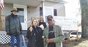 Realtors, Post 1097 hand house keys to veteran
