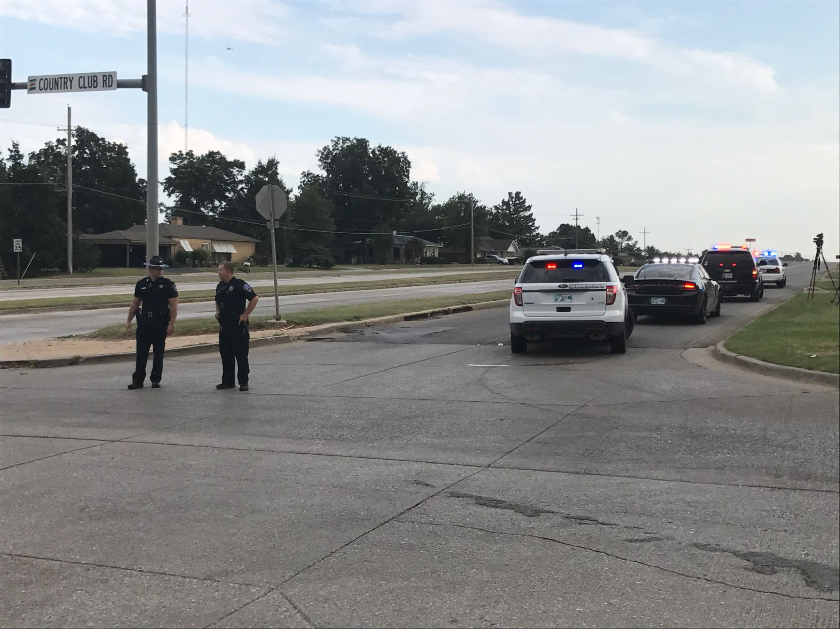 Two Oklahoma officers shot in Chickasha