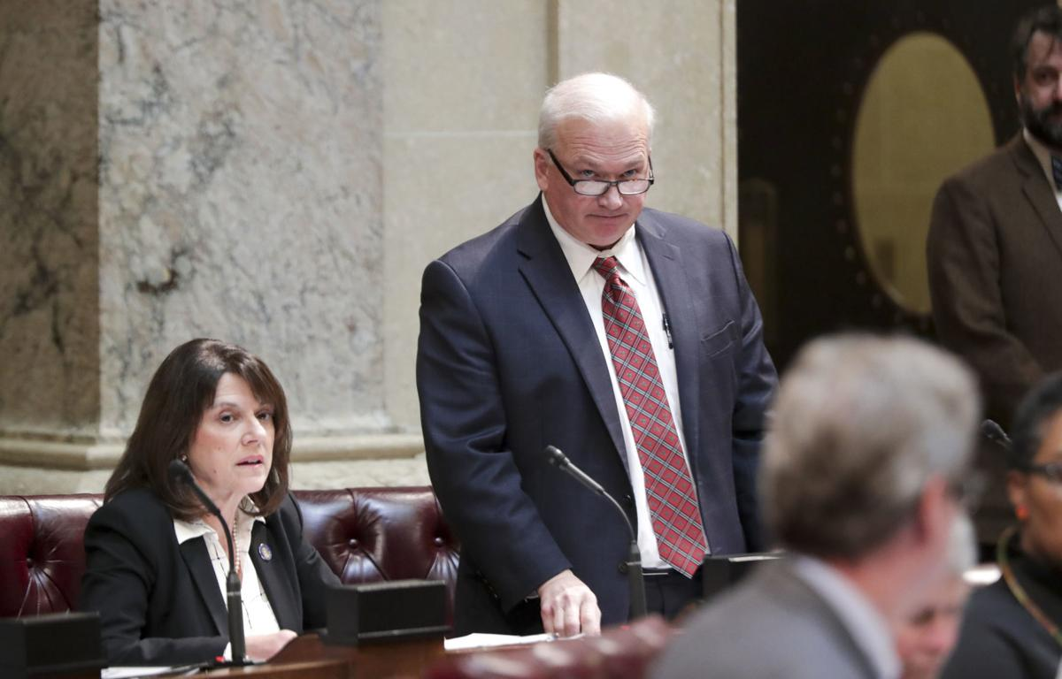 Lawmakers take up lame-duck bills