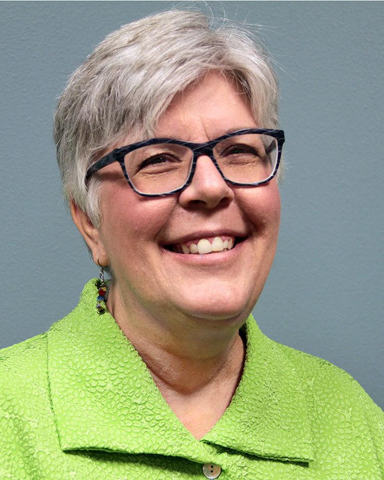 Heidi Hooten headshot