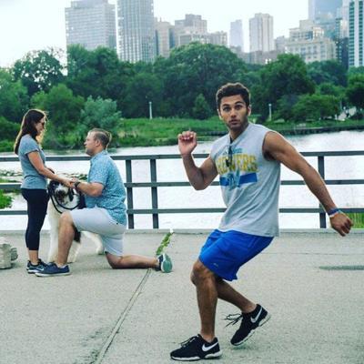 photobomb jogger