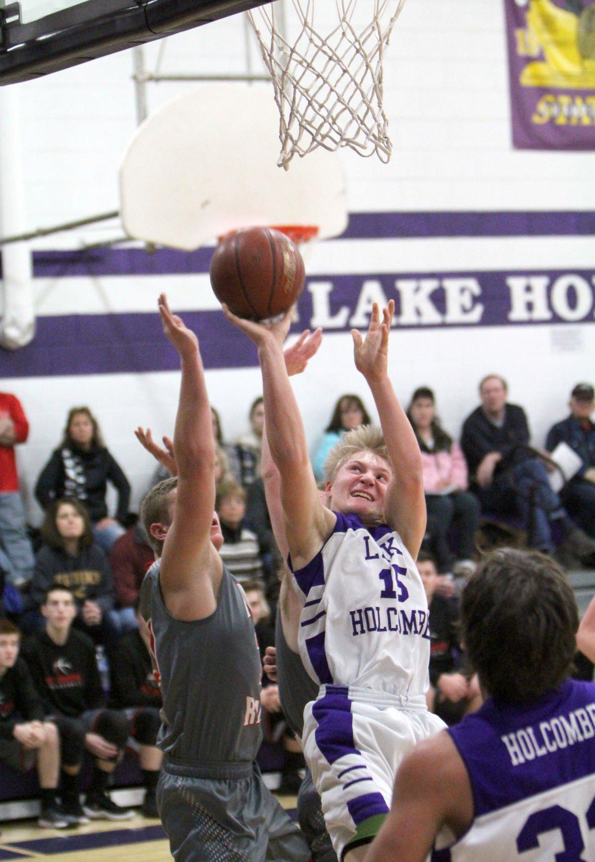 Bruce at Lake Holcombe boys basketball 1-9-18