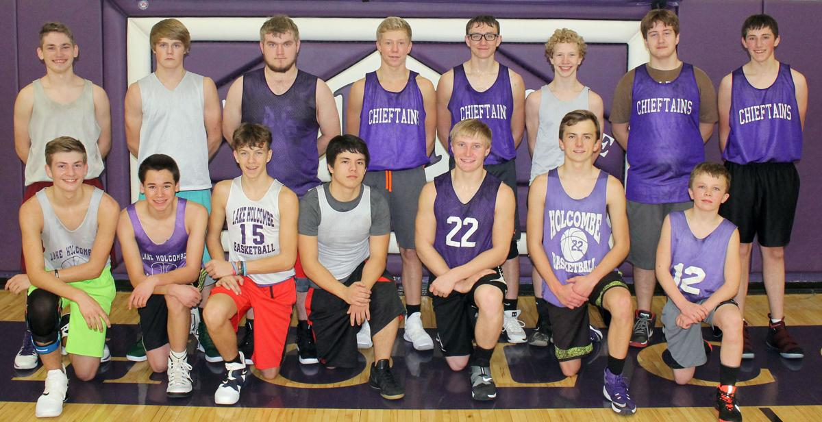 Lake Holcombe boys basketball 2018-19 team photo