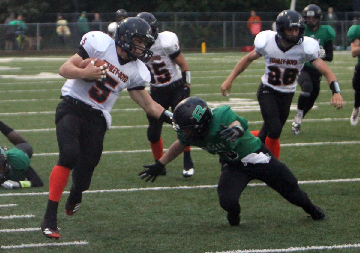 Stanley-Boyd football at Eau Claire Regis 8-26-17