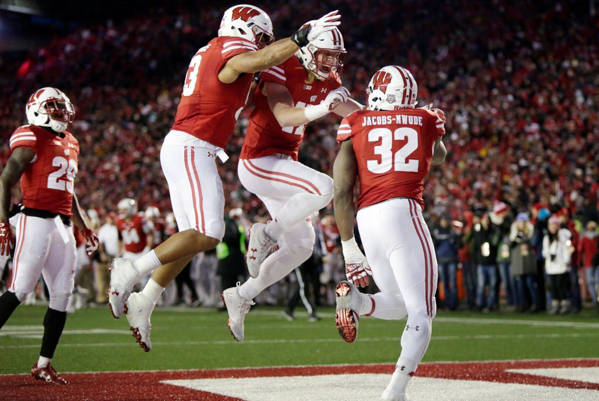 Badgers celebrate-third CFP rankings