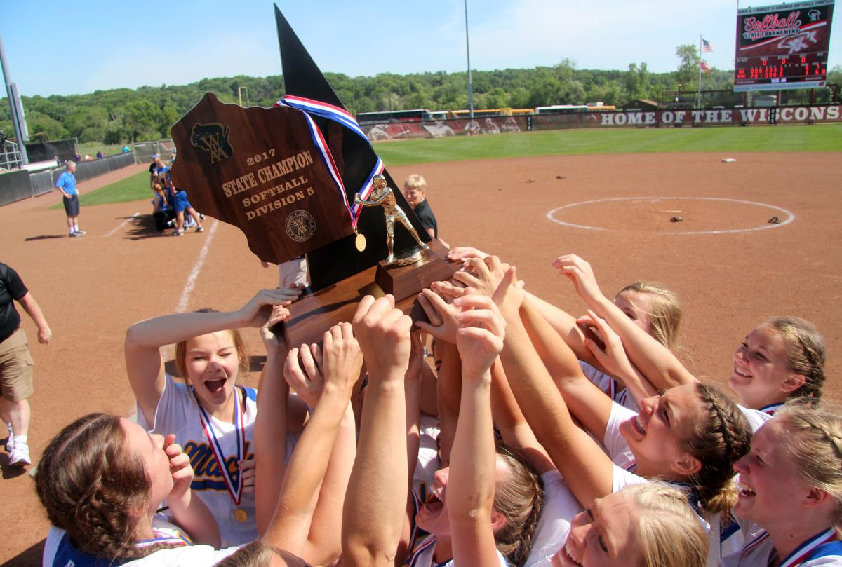 McDonell softball vs Blair-Taylor in Division 5 state title game 6-10-17