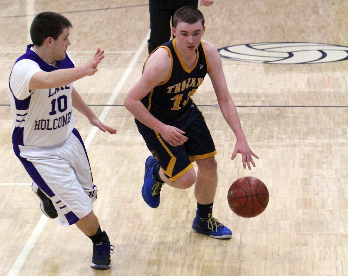 New Auburn at Lake Holcombe boys basketball 2-13-18