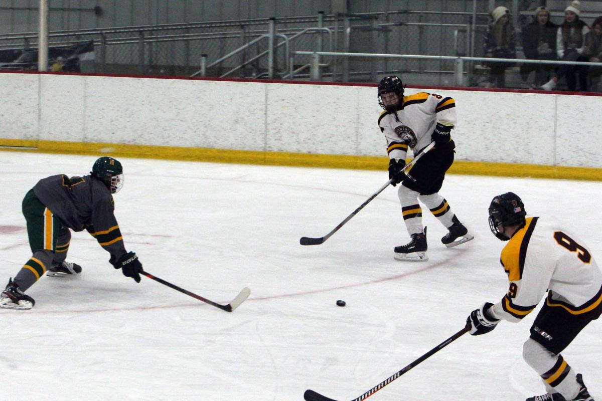 Ashwaubenon at Menomonie boys hockey 12-28-19