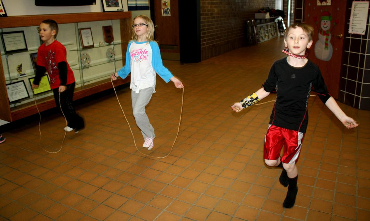 Halmstad students jump rope