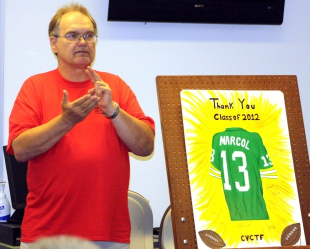 former packer kicker speaks at inmate graduation ceremony local
