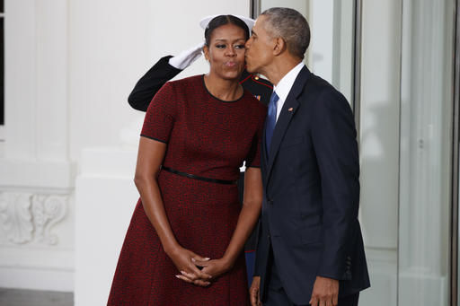 The Latest: Obama, Trump leave White House, limo to Capitol