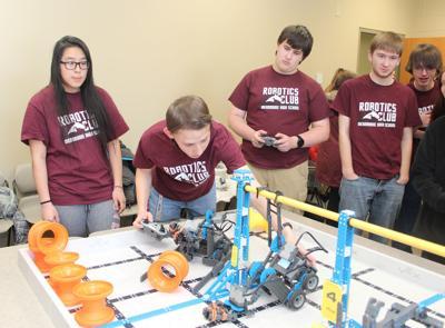 CVTC Manufacturing show - Menomonie robotics