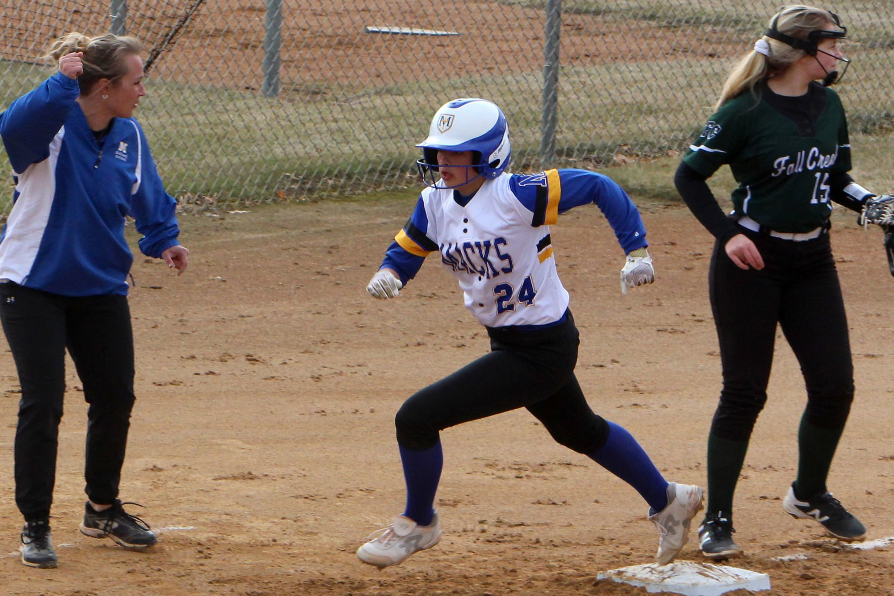 Bruins go on hit parade in Game 1 as Rachel Garcia cruises to victory