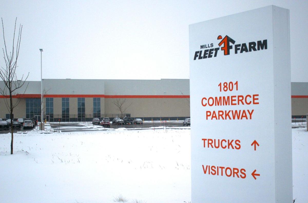 Fleet Farm distribution center settles in for winter