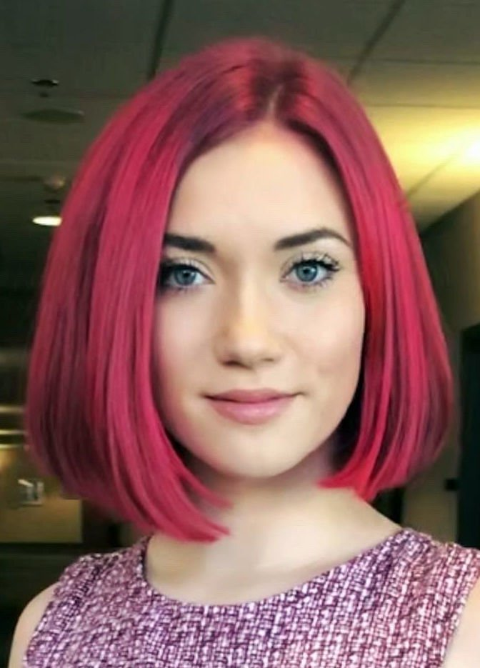 Abrina Leonhard headshot