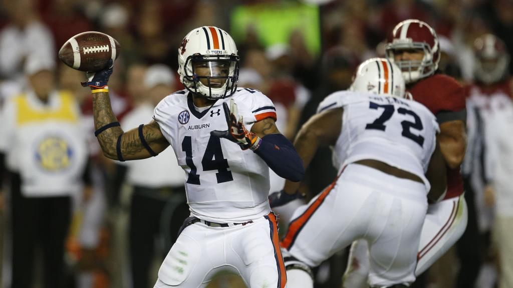 Badgers football: Auburn awaits in Outback Bowl on New ...