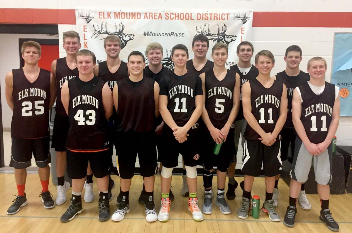 The 2017-18 Elk Mound boys' basketball team