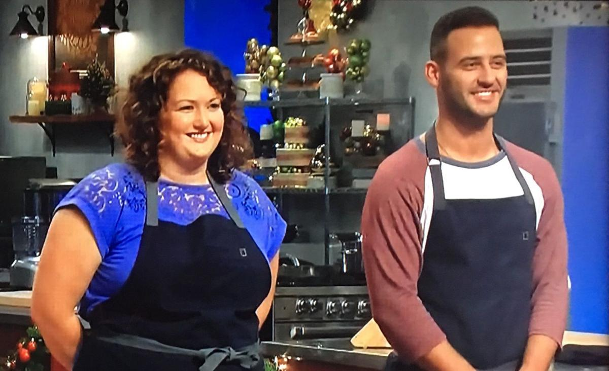 Christmas Cookie Challenge Judges.Chippewa Falls Native Shines In Christmas Eve Baking
