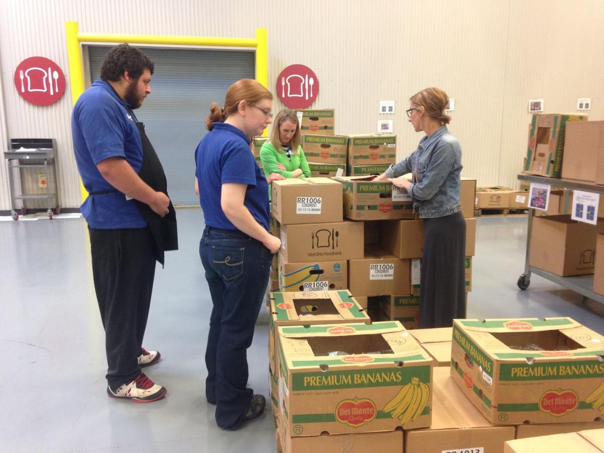Kroger Circleville Ohio >> Kroger cashiers present nearly $300,000 to Mid-Ohio