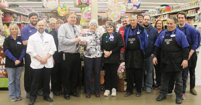 Kroger Circleville Ohio >> Kroger 'Rounds Up' to fight hunger, presents check to