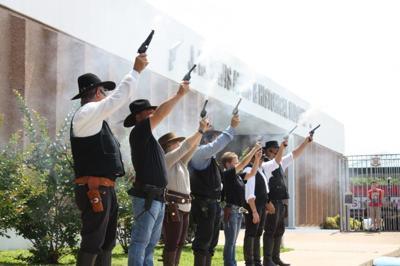 Guns blazin'
