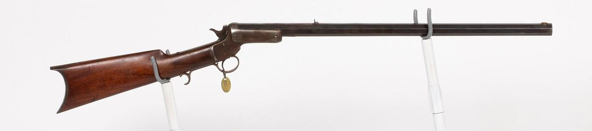 Buffalo Bill rifle earns $18,125 at J.M. Davis auction