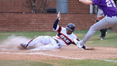 Harvey_Mason_Truman_vs_RSU_Baseball_663.jpg