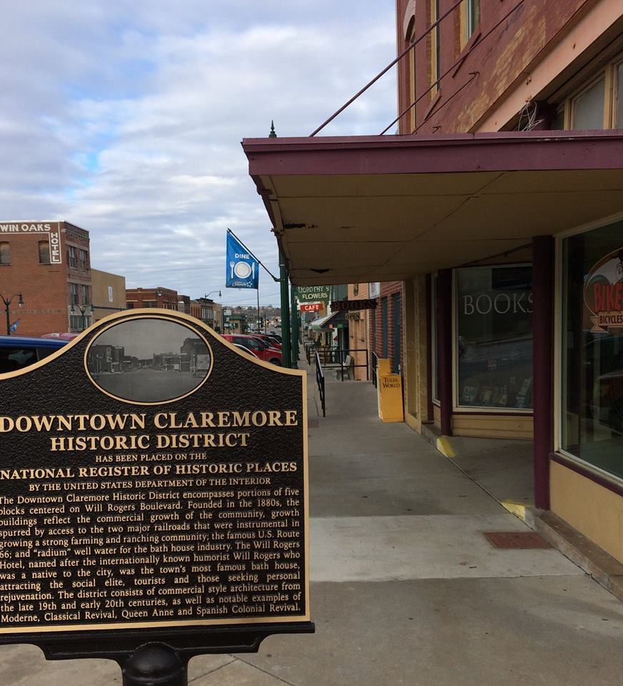 Signs show off National Historic District status