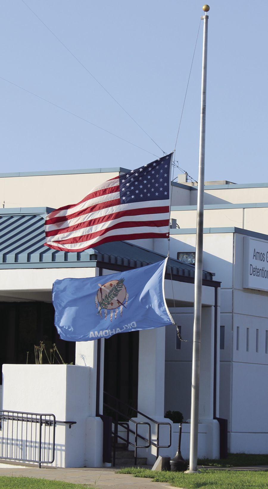 Gov. Fallin Orders U.S, Oklahoma Flags to Fly at Half-staff to Honor U.S. Sen. John McCain