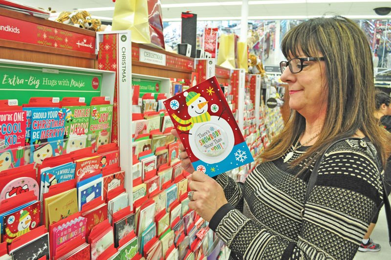 For Christmas cards, sooner is better, Claremore postmaster says