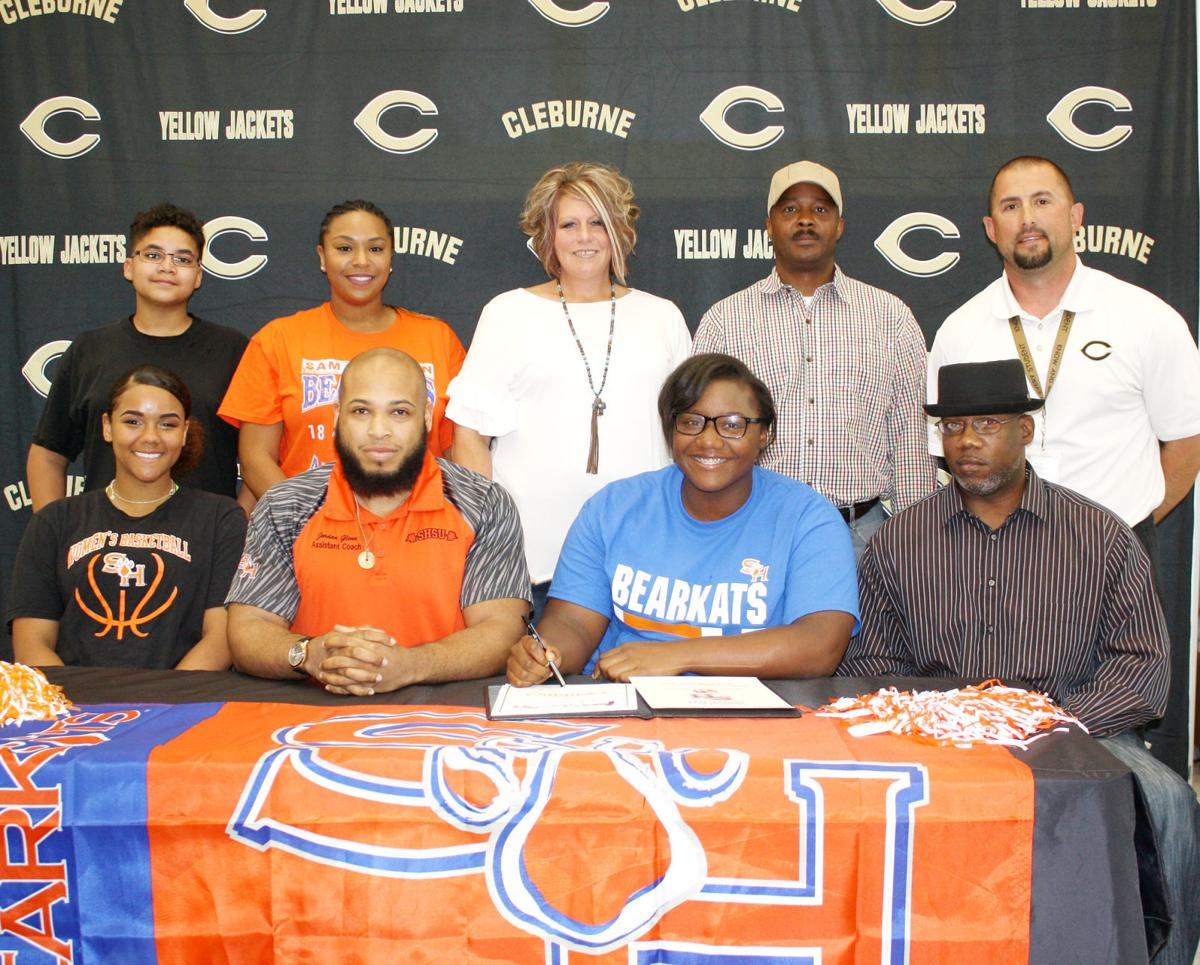 Lady Jacket powerlifter signs with Sam Houston State