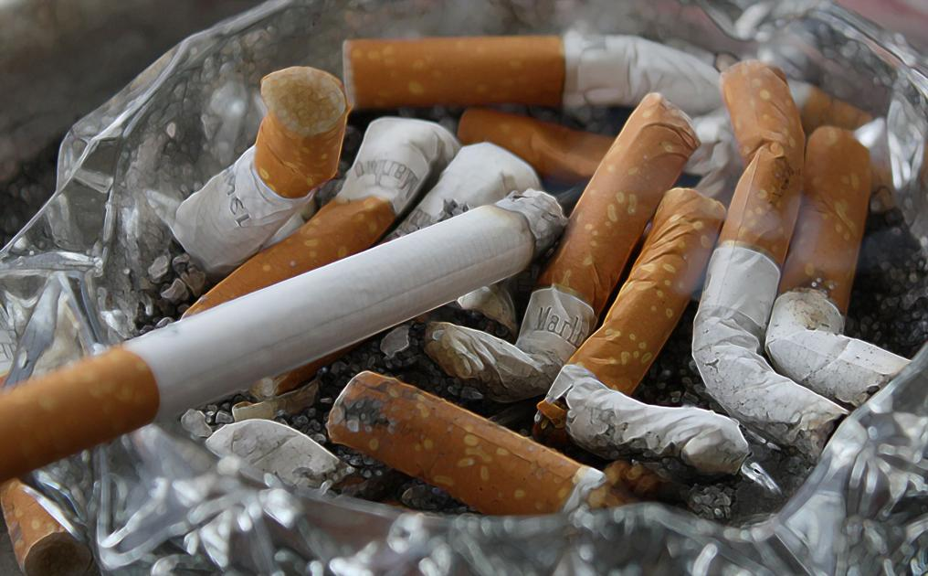 Image result for Can smoking turn you blind?