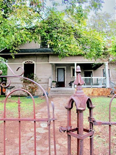 Shaw-McCowen home