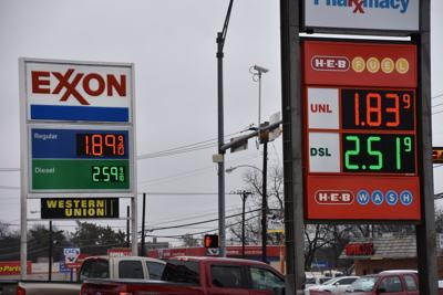 Heb Gas Prices >> 2019 Gas Prices Make It Easy To Fill Up Tanks Local News