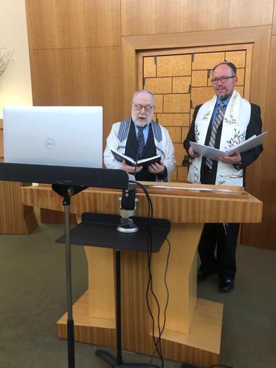 Shabbat service goes virtual