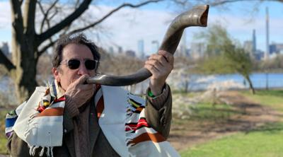 Blow shofar sparingly and outside, Dutch rabbis warn worshippers