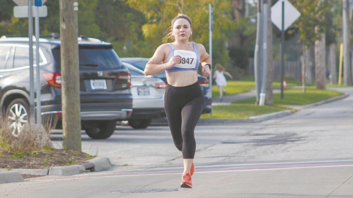 100419_UH Race - Woman.jpg