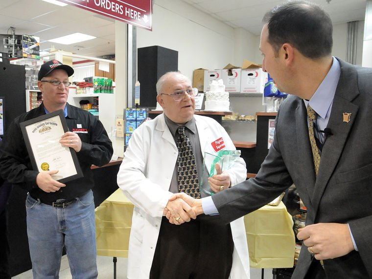 Fligners in lorain named top grocer in ohio news kel fligner left accepts the pinnacle award from nate filler ceo of ohio grocers association during a ceremony last month at fligners market in lorain junglespirit Images