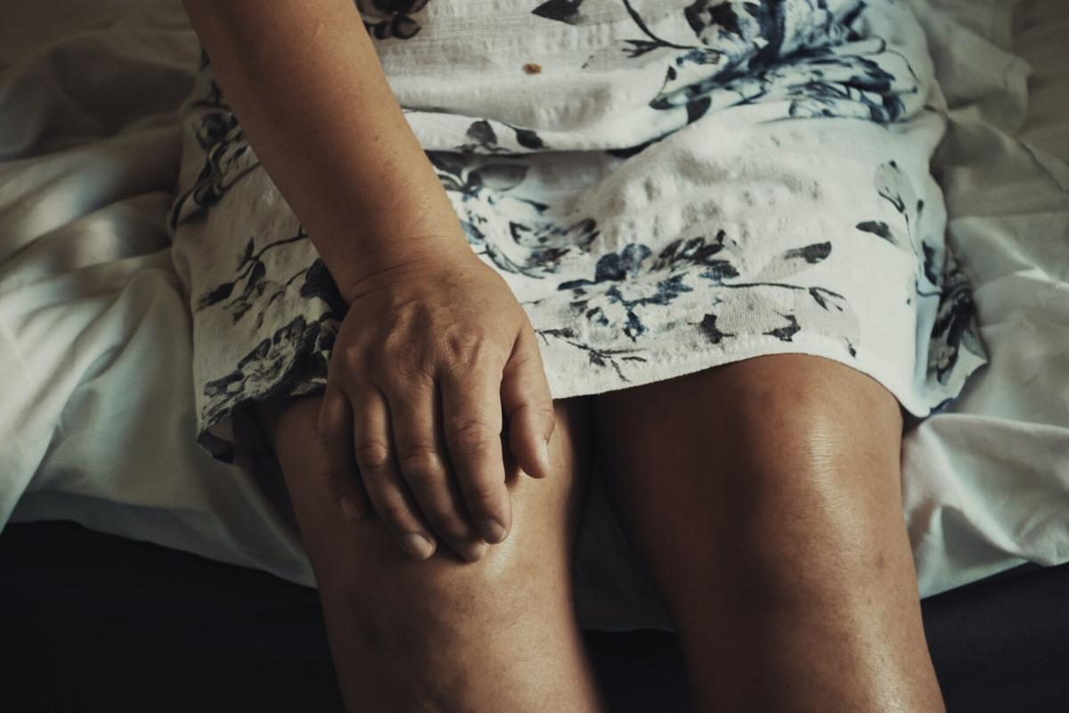 Stock health knee