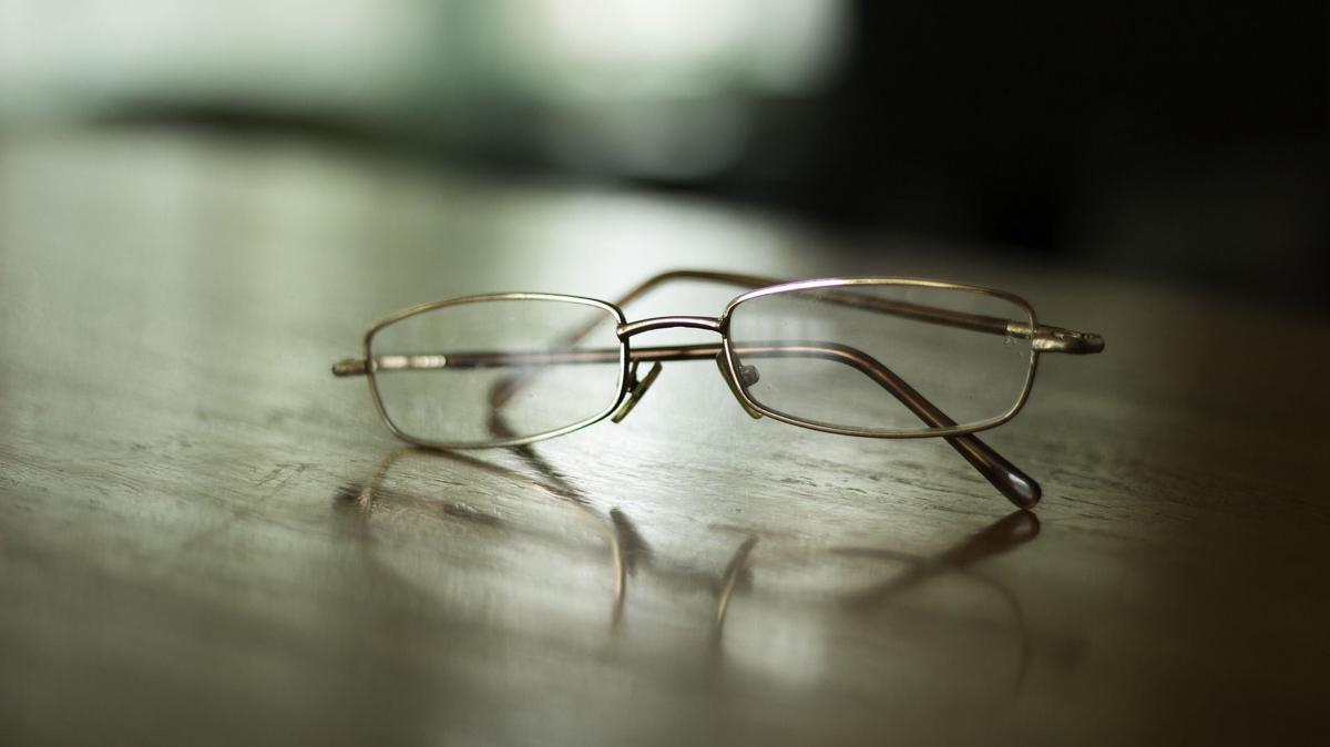 Stock glasses eye health