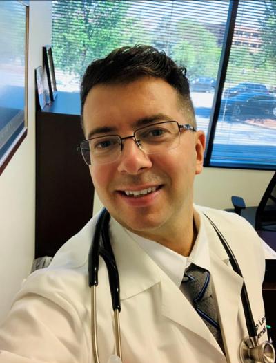 Dr. Seth Levine headshot