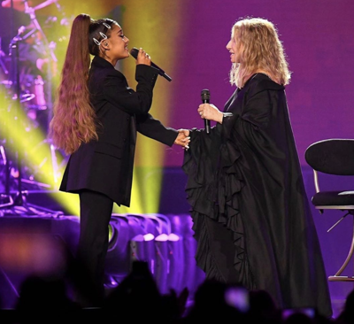 Barbra Streisand, Ariana Grande perform together