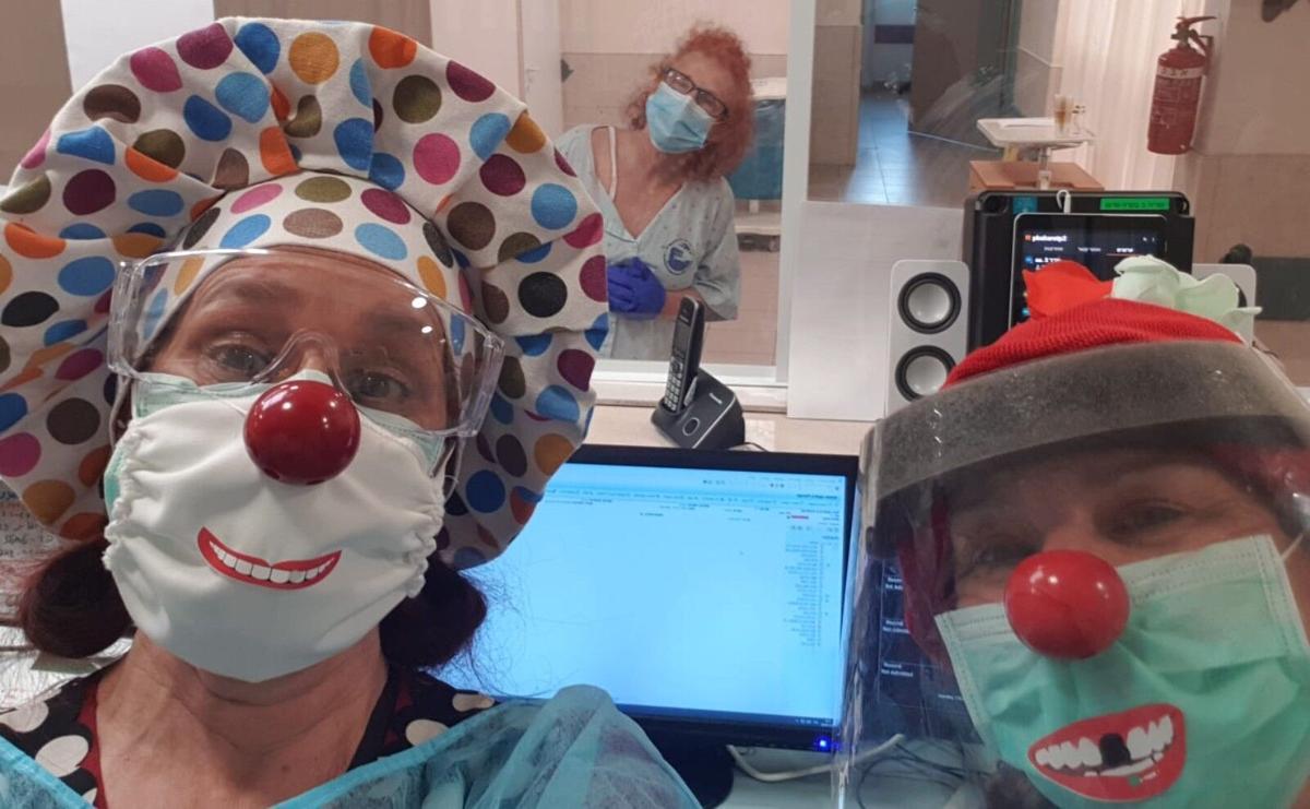 112020_Mt. Sinai Health Page - Clowns2.jpg