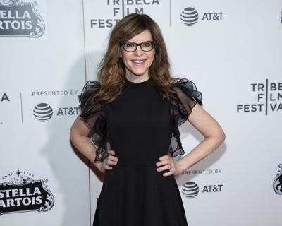 Lisa Loeb surprises Tribeca with 'Stay' performance at 'Reality Bites' reunion