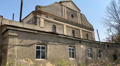 Historic former synagogue in Ukraine destroyed in fire