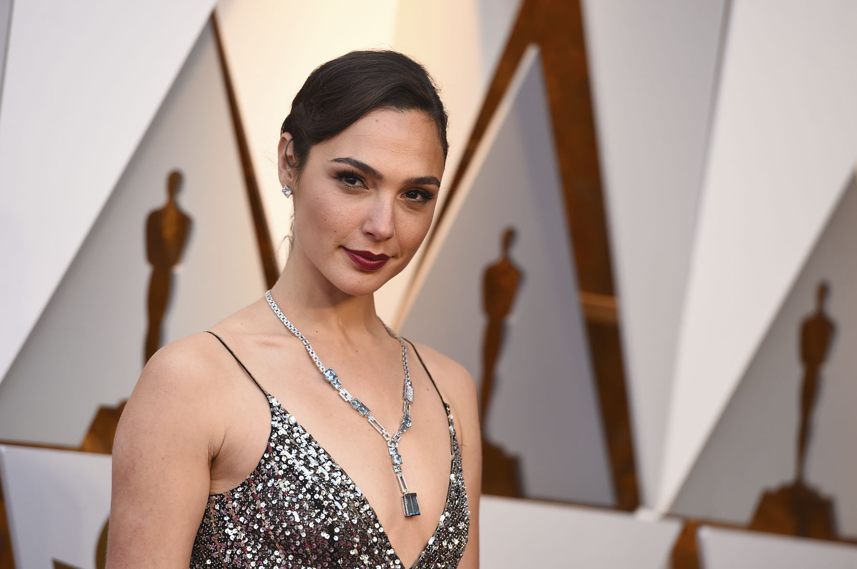Gal Gadot responded to fans who spoke badly about her breasts 03/23/2015 76