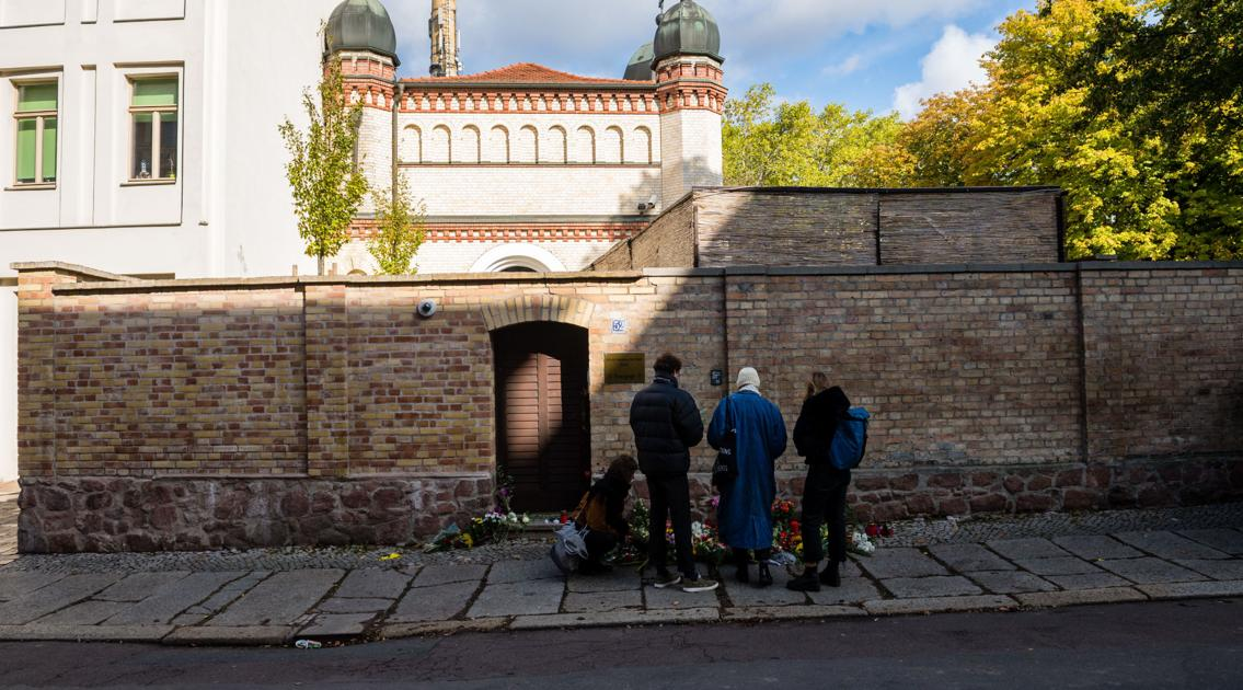 German state launches investigation into police response to Halle synagogue attack